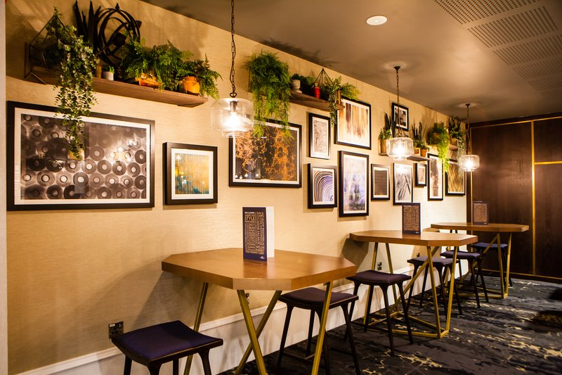 Crowne Plaza Leeds-Bar and Lounge<br/>Image from Leonardo