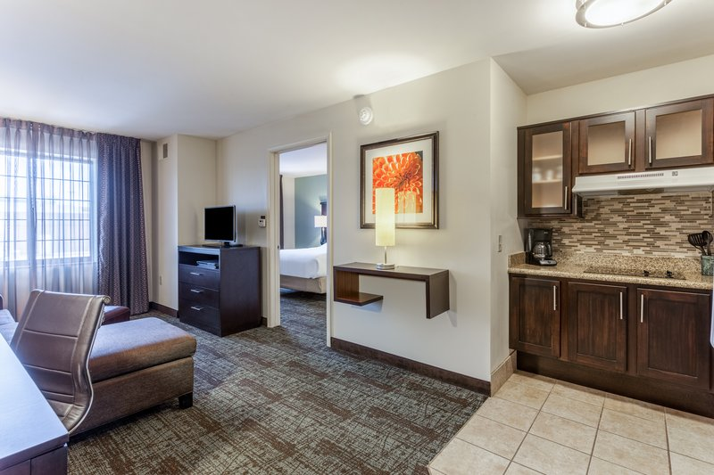 Staybridge Suites Davenport- One bedroom<br/>Image from Leonardo