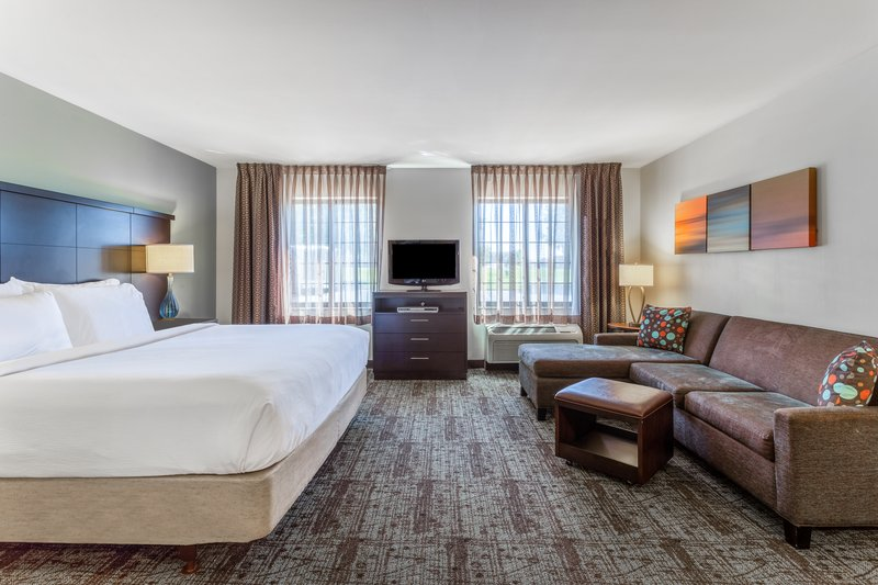 Staybridge Suites Davenport-Executive King Suite<br/>Image from Leonardo