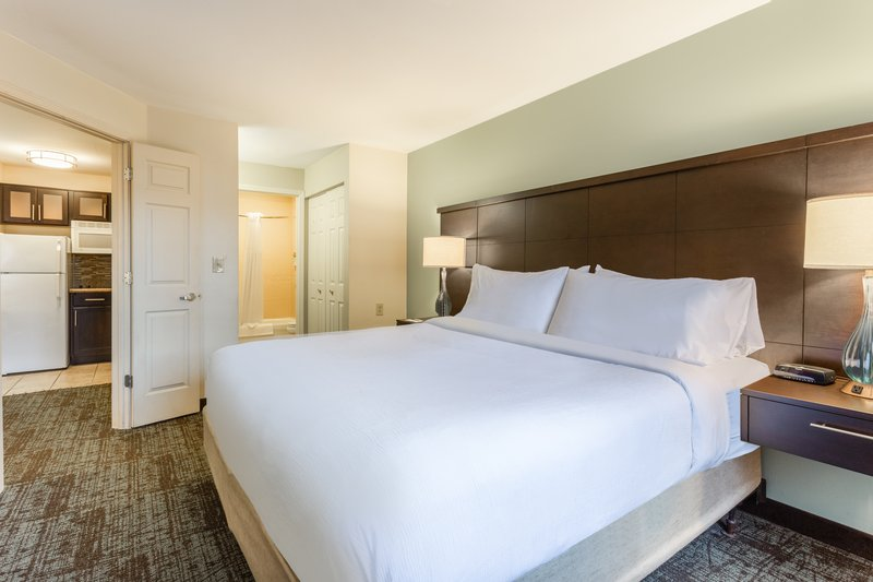 Staybridge Suites Davenport-One Bedroom King Suite<br/>Image from Leonardo