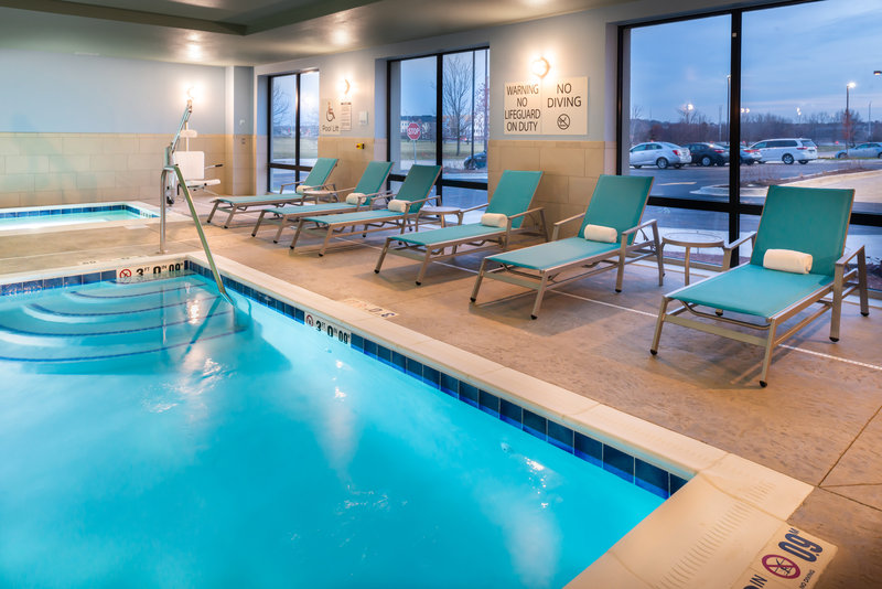 Holiday Inn Express And Suites Romeoville - Joliet North-Take a dip in the pool<br/>Image from Leonardo