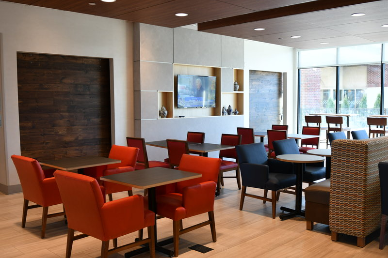 Holiday Inn Express And Suites Romeoville - Joliet North-Breakfast Area<br/>Image from Leonardo