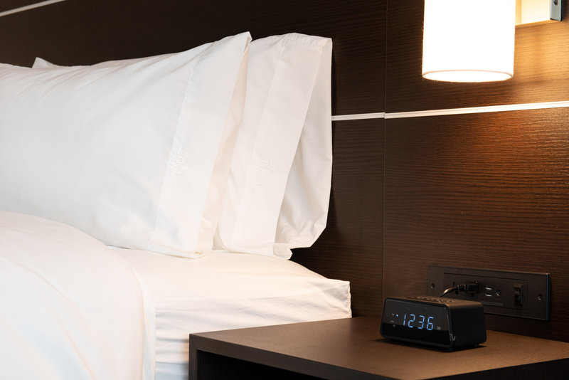 Holiday Inn Express And Suites Romeoville - Joliet North-Our Comfy Pillows<br/>Image from Leonardo