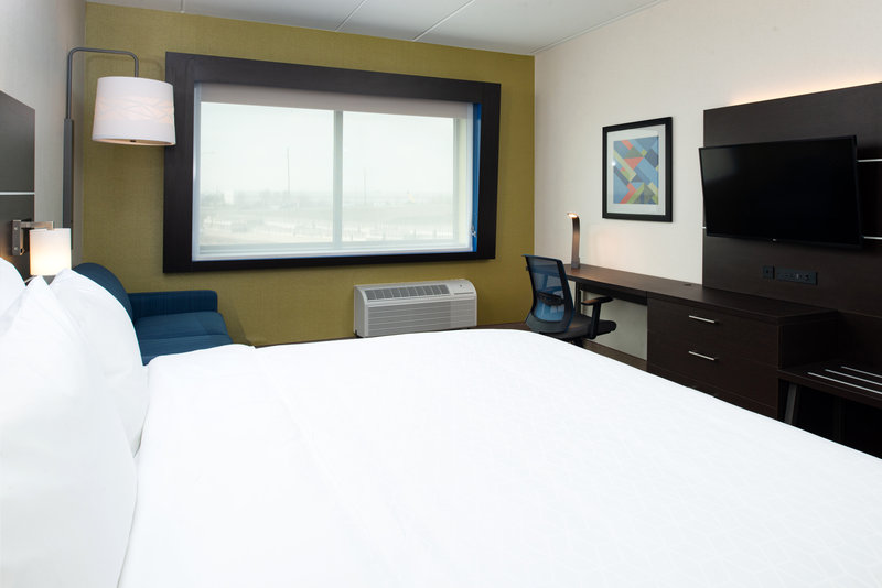 Holiday Inn Express And Suites Romeoville - Joliet North-Enjoy a relaxing evening in our King rooms!<br/>Image from Leonardo