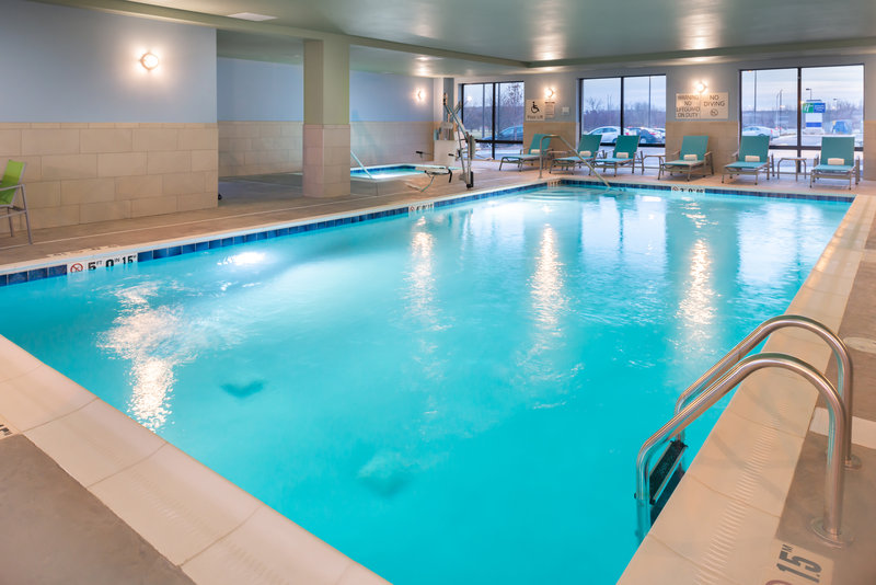 Holiday Inn Express And Suites Romeoville - Joliet North-It's never too cold to swim at the Holiday Inn Express Romeoville<br/>Image from Leonardo