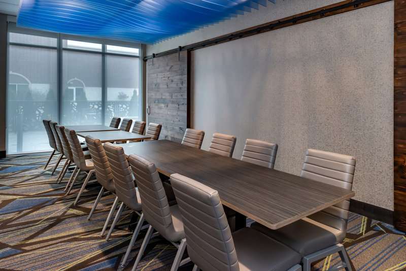 Holiday Inn Express And Suites Romeoville - Joliet North-Hold your board meetings with us.<br/>Image from Leonardo