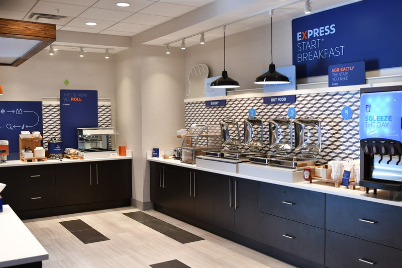 Holiday Inn Express And Suites Romeoville - Joliet North-Breakfast Bar<br/>Image from Leonardo
