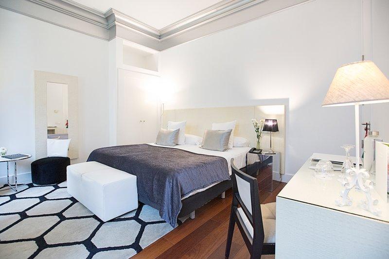 Hospes Palacio De Los Patos-Deluxe Double Room<br/>Image from Leonardo
