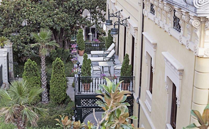 Hospes Palacio De Los Patos-Guestroom Balcony<br/>Image from Leonardo