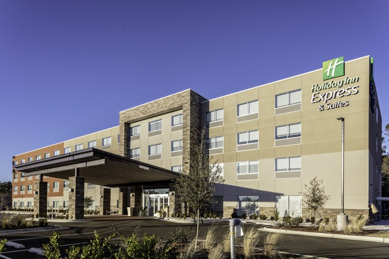 Holiday Inn Express And Suites Wilmington West -Medical Park-Hotel Exterior<br/>Image from Leonardo