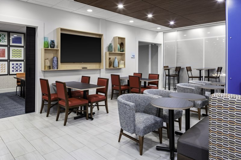 Holiday Inn Express And Suites Wilmington West -Medical Park-Breakfast Area<br/>Image from Leonardo