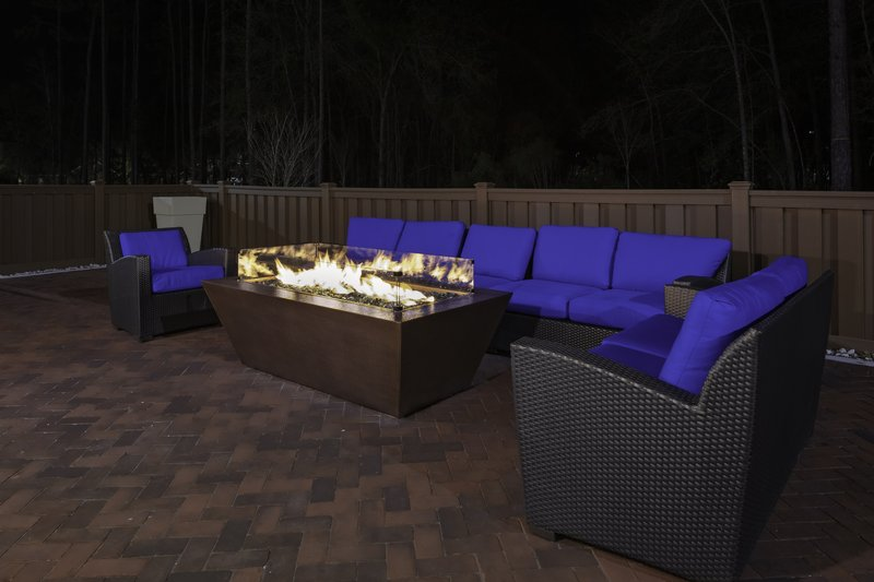 Holiday Inn Express And Suites Wilmington West -Medical Park-Guest Patio<br/>Image from Leonardo