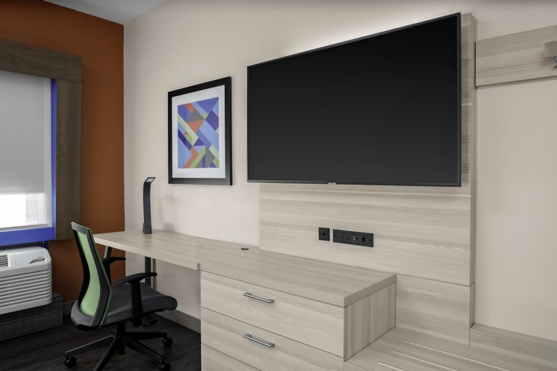 Holiday Inn Express And Suites Wilmington West -Medical Park-Guest Room<br/>Image from Leonardo