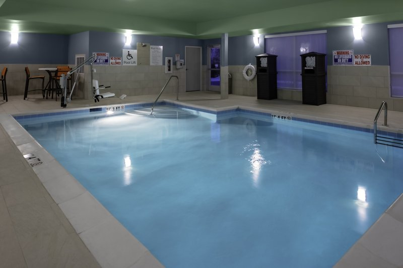 Holiday Inn Express And Suites Wilmington West -Medical Park-Swimming Pool<br/>Image from Leonardo