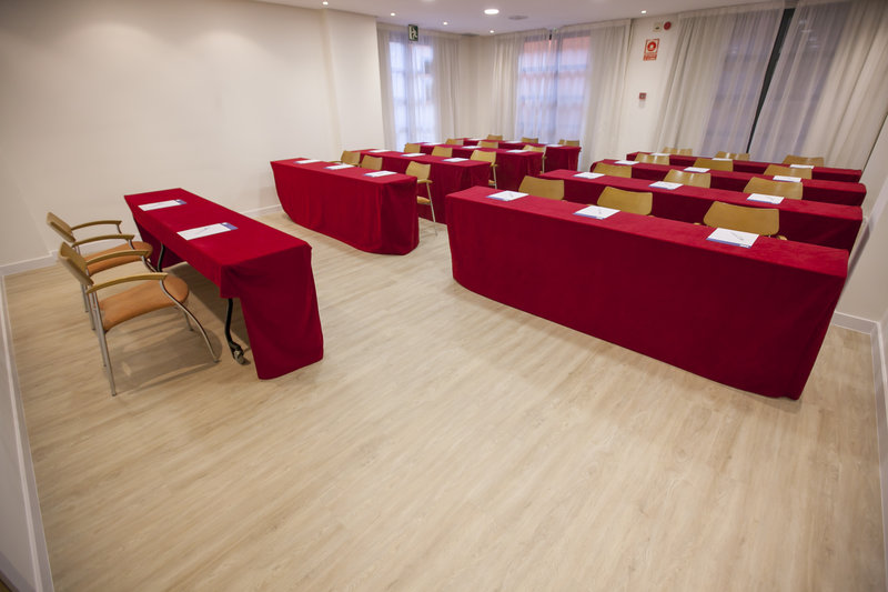 Holiday Inn Express Valencia Ciudad las Ciencias-Saler Meeting Room<br/>Image from Leonardo