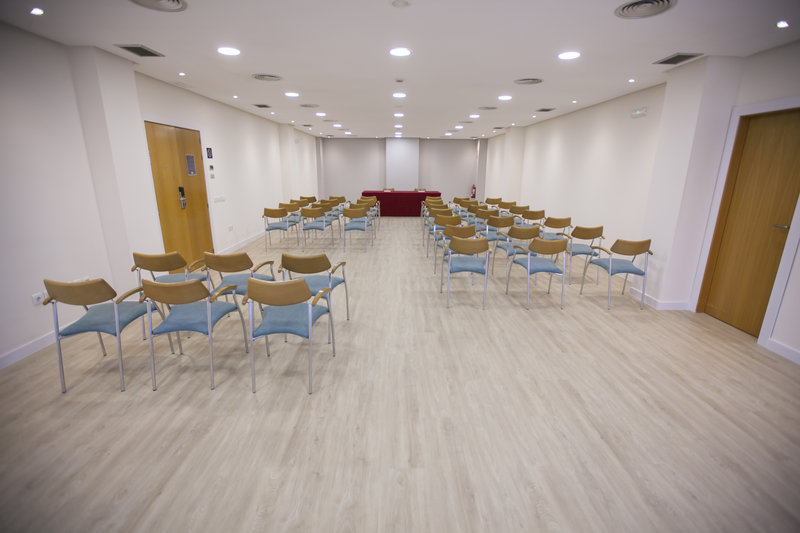 Holiday Inn Express Valencia Ciudad las Ciencias-Malvarrosa Meeting Room<br/>Image from Leonardo