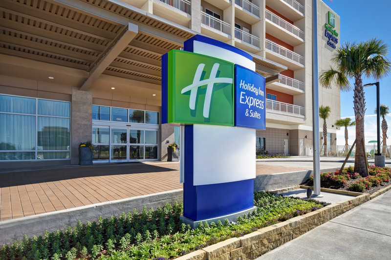 Holiday Inn Express and Suites Galveston Beach-Entrance<br/>Image from Leonardo