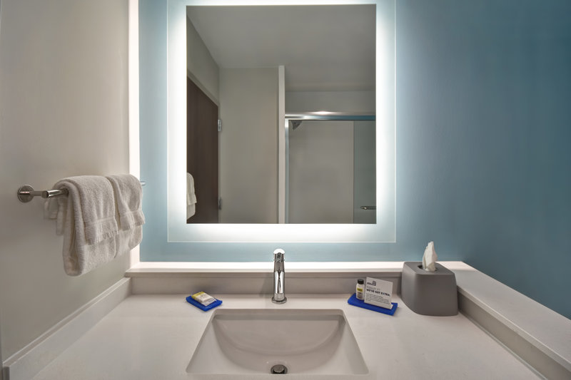 Holiday Inn Express and Suites Galveston Beach-Guest Room<br/>Image from Leonardo