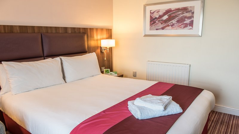 Holiday Inn Milton Keynes East M1, Jct.14-King Bed Guest Room<br/>Image from Leonardo