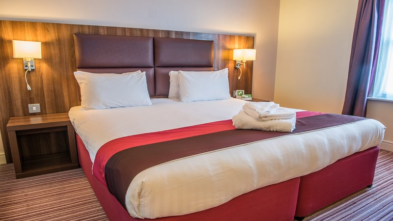 Holiday Inn Milton Keynes East M1, Jct.14-Guest Room<br/>Image from Leonardo
