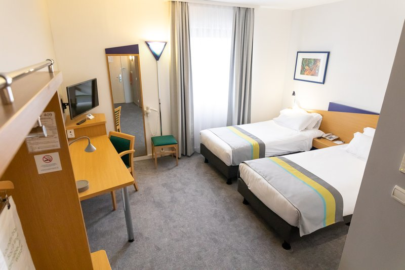 Holiday Inn Express Arras-Twin room at Holiday Inn Express Arras<br/>Image from Leonardo