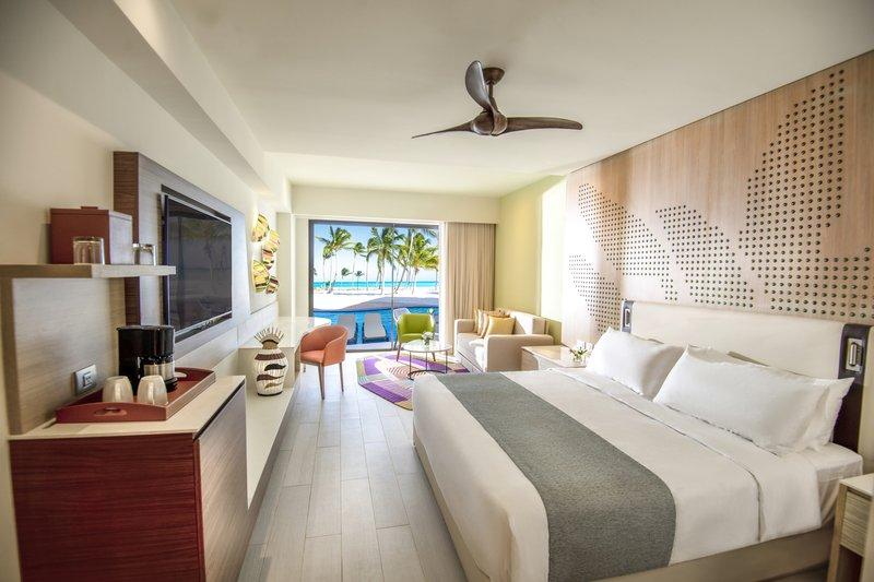 Hyatt Ziva Cap Cana  - Oceanfront Junior Suite Swim Up King Room <br/>Image from Leonardo
