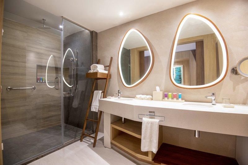 Hyatt Ziva Cap Cana  - Oceanfront Junior Suite Swim Up King Bathroom <br/>Image from Leonardo