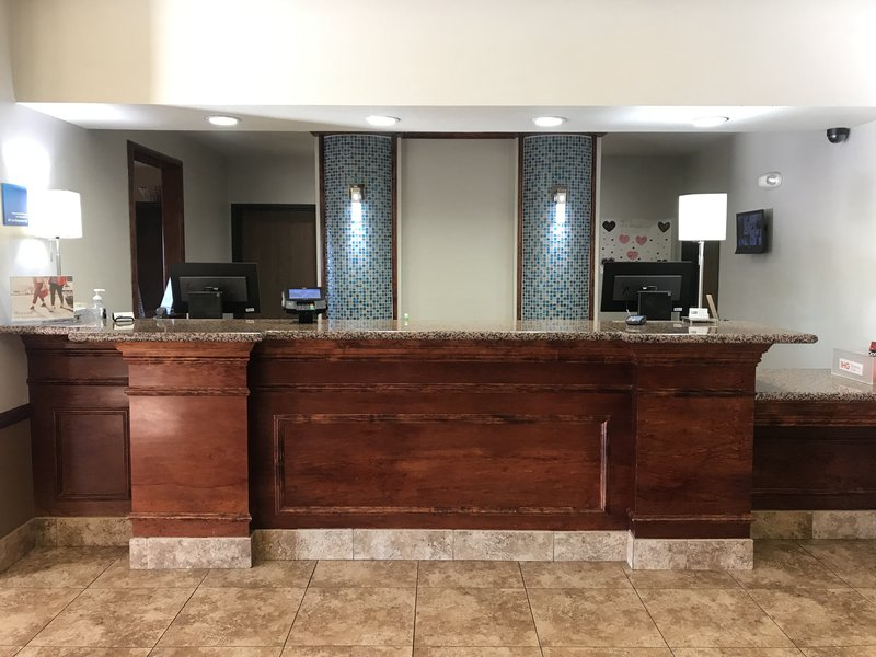 Holiday Inn Express & Suites Barstow - Outlet Center-Front Desk<br/>Image from Leonardo