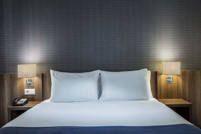 Holiday Inn Express Utrecht - Papendorp-Bed<br/>Image from Leonardo