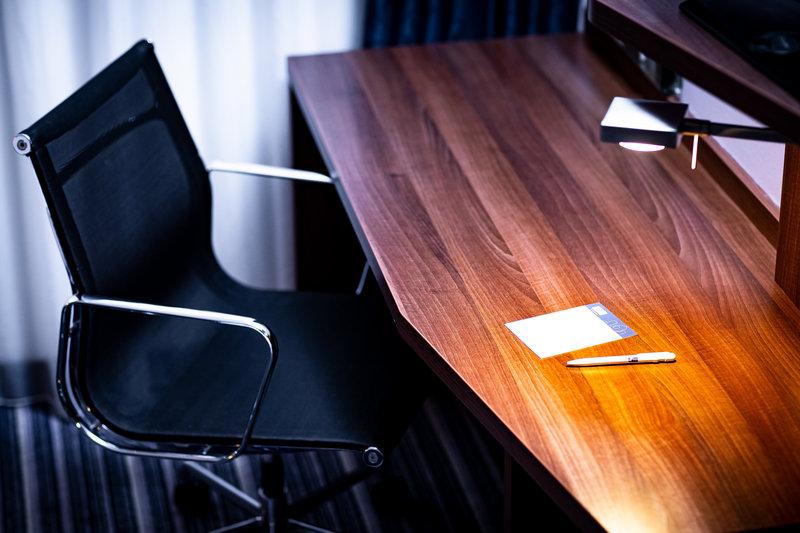 Holiday Inn Express Arnhem-Working desk<br/>Image from Leonardo