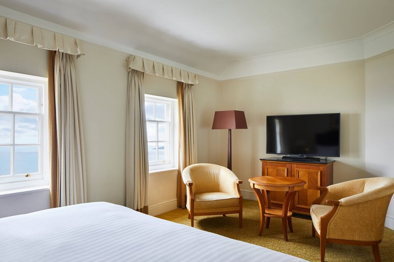 Bournemouth Highcliff Marriott Hotel-King Deluxe Cottage Guest Room<br/>Image from Leonardo