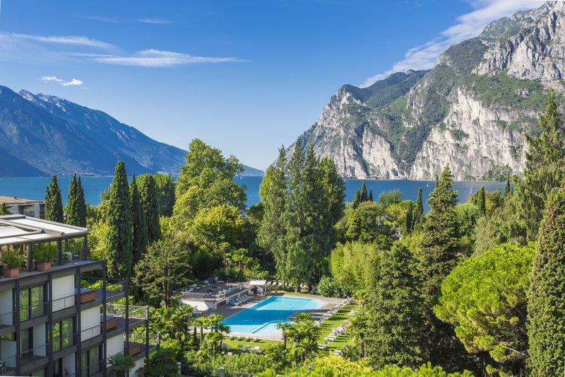Hotel Du Lac et Du Parc-Relax Pool<br/>Image from Leonardo
