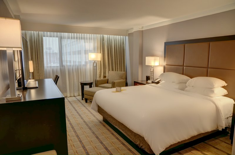 Crowne Plaza Knoxville Downtown University-King Bed Guest Room<br/>Image from Leonardo