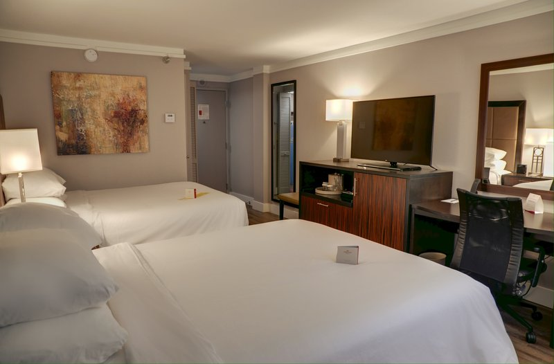 Crowne Plaza Knoxville Downtown University-Double Bed Guest Room<br/>Image from Leonardo