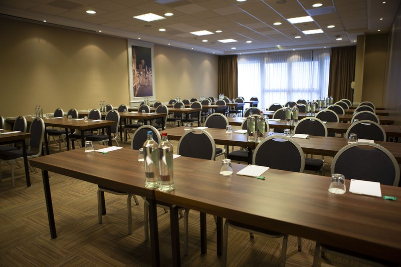 Holiday Inn Express Gent-Holiday Inn Express Gent Meeting Room<br/>Image from Leonardo