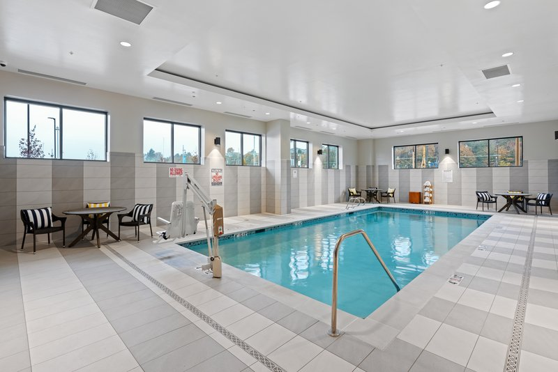 Hotel Indigo Seattle Everett Waterfront-Swimming Pool<br/>Image from Leonardo