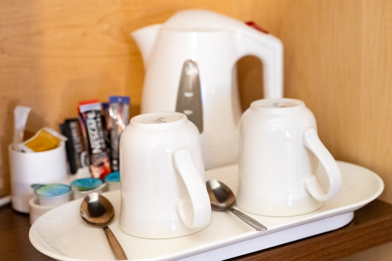 Holiday Inn Express Dundee-In-Room Hot Beverage Service <br/>Image from Leonardo