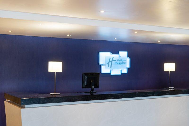 Holiday Inn Express Dundee-Front Desk<br/>Image from Leonardo