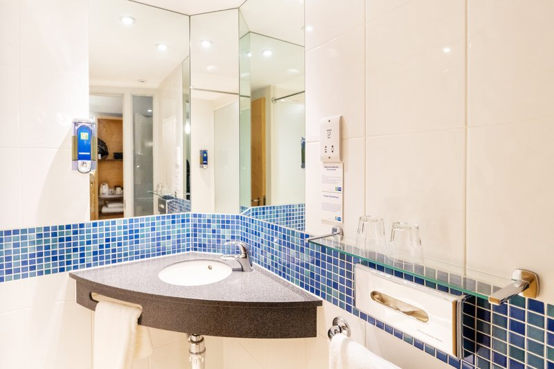 Holiday Inn Express Dundee-Guest Bathroom<br/>Image from Leonardo
