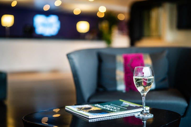 Holiday Inn Express Dundee-Lobby Lounge<br/>Image from Leonardo