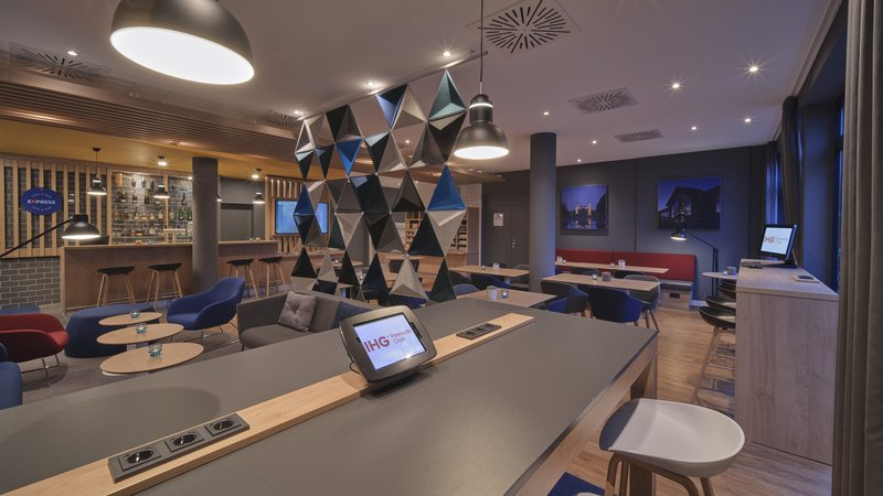 Holiday Inn Express Dortmund-Stay connected with the information hub available 24/7<br/>Image from Leonardo