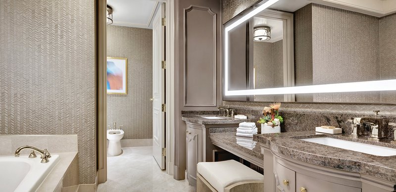 Mandalay Bay Resort and Casino-Reef Suite Bathroom<br/>Image from Leonardo