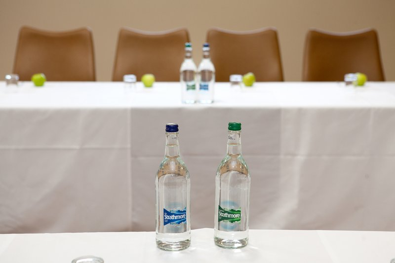 Holiday Inn London Gatwick - Worth-Meeting Room<br/>Image from Leonardo