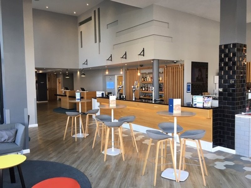 Holiday Inn Express Leeds City Centre - Armouries-Bar and Lounge<br/>Image from Leonardo