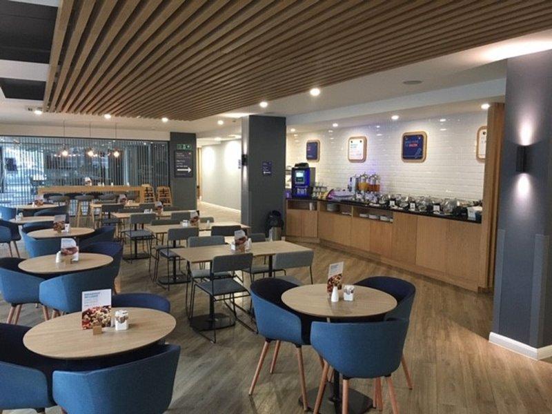 Holiday Inn Express Leeds City Centre - Armouries-Breakfast Area<br/>Image from Leonardo