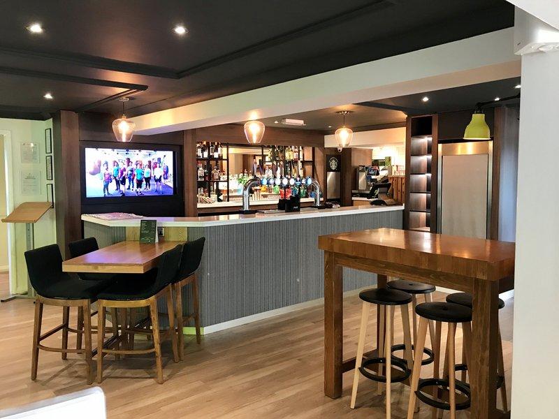 Holiday Inn A55 Chester West-Hotel Bar <br/>Image from Leonardo