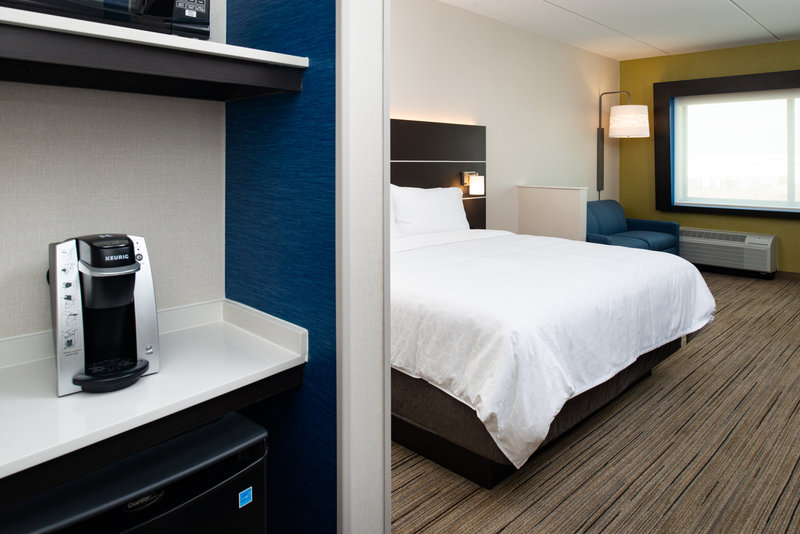 Holiday Inn Express And Suites Romeoville - Joliet North-All the comforts of home - Keurig coffee maker, microwave & refer<br/>Image from Leonardo