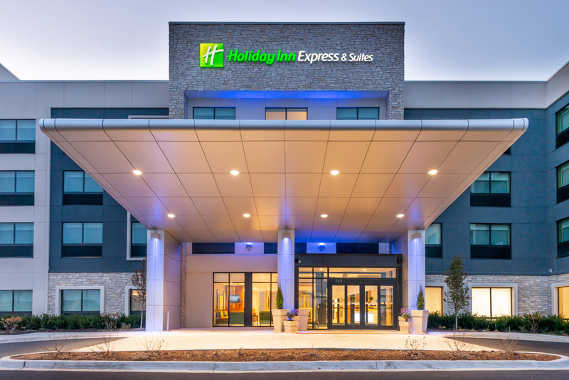 Holiday Inn Express And Suites Romeoville - Joliet North-Entrance<br/>Image from Leonardo