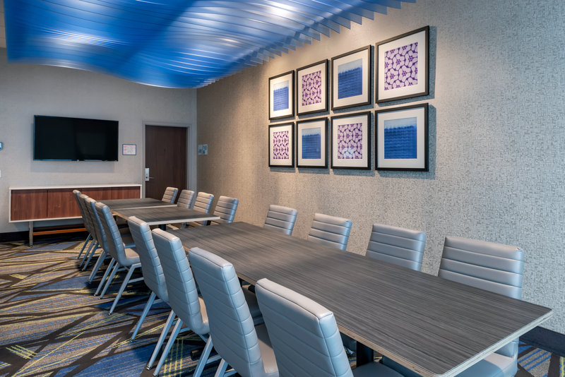 Holiday Inn Express And Suites Romeoville - Joliet North-Comfortable meeting space with natural day light. <br/>Image from Leonardo