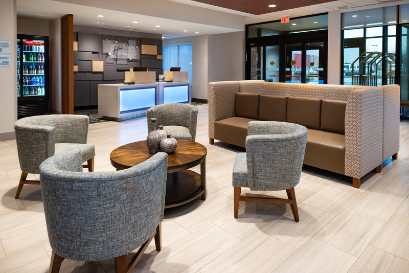 Holiday Inn Express And Suites Romeoville - Joliet North-Enjoy  snacks & drinks at our Manager's Reception Mon-Thurs!<br/>Image from Leonardo